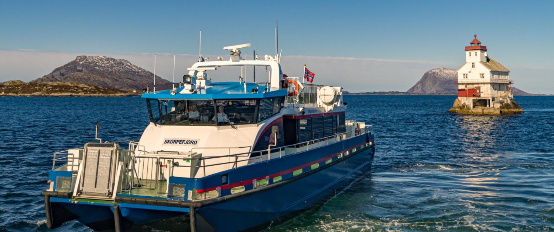 Florø Skyssbåt - M/S Skorpefjord ved Stabben - skyssbat.no